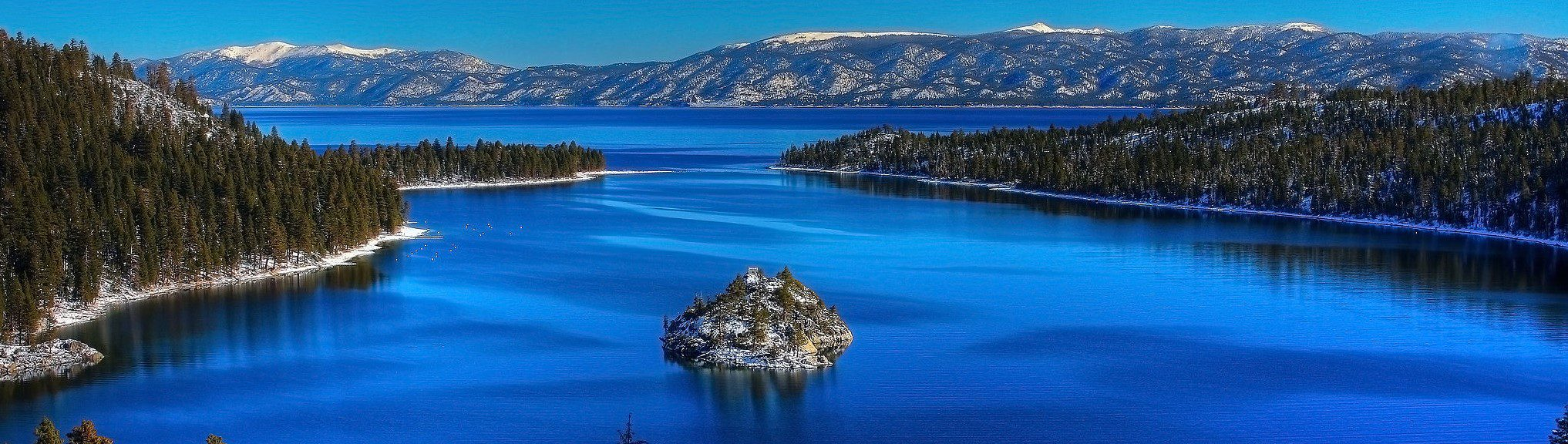 Picture of Emerald bay and Lake Tahoe